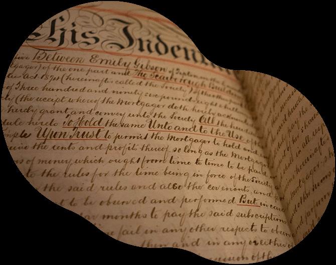 """Image d'illustration du titre """"relecture de spécialité : archéologie, histoire de l'art"""", présentant une feuille de papier recouverte d'écriture manuscrite ancienne."""